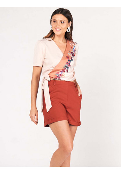 SURVIVE AND THRIVE DEVIANA SHORT SLEEVES TOP