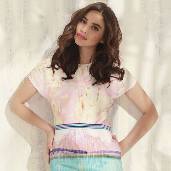 Anne's versatile style is the reason why she fits with the trendy new Summer Collections of Plains and Prints